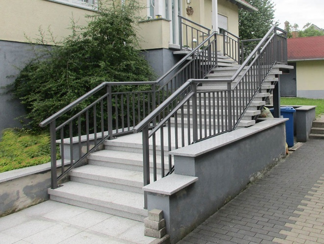 banisters, DB 703